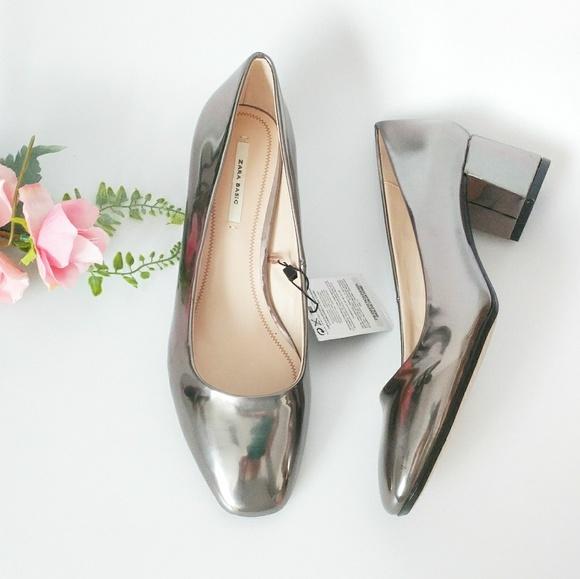 793b69c21d4 Zara Pointed Toe Shiny Silver Metallic Block Heels
